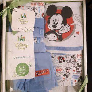 Baby Boy Disney Baby 6 Piece gift set